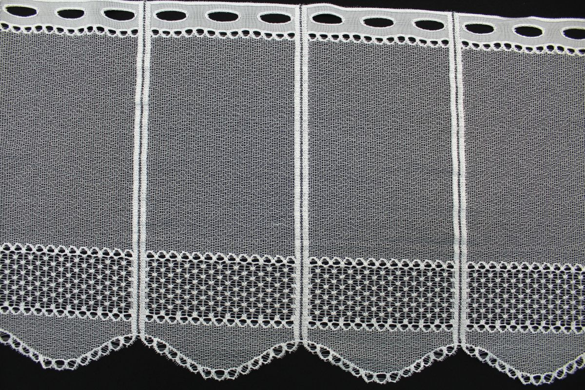 Záclona - výška 40 cm.